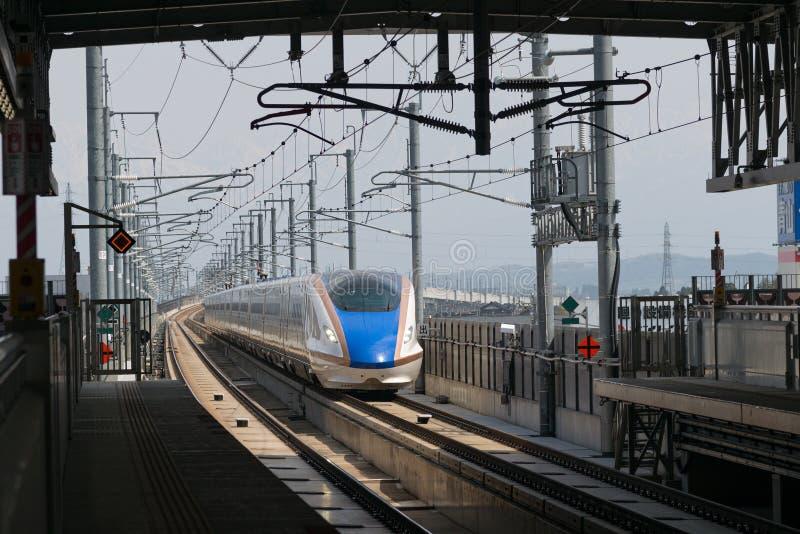 De trein E7 van de Reekskogel (Hoge snelheid of Shinkansen) stock foto
