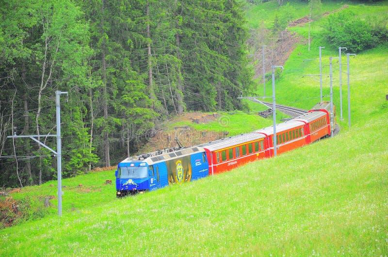 De trein van Davos gaat naar Chur royalty-vrije stock afbeelding