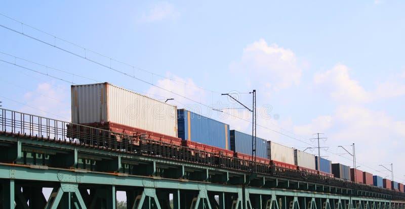 De trein van de lading royalty-vrije stock fotografie