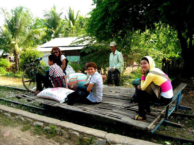 De Trein van het Bamboe van Battambang stock afbeeldingen