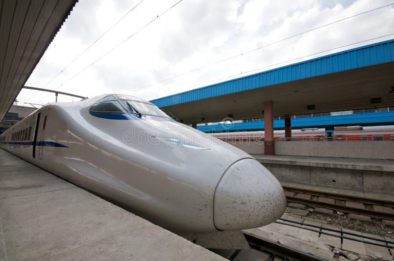De Treinen van de hoge snelheid China stock foto