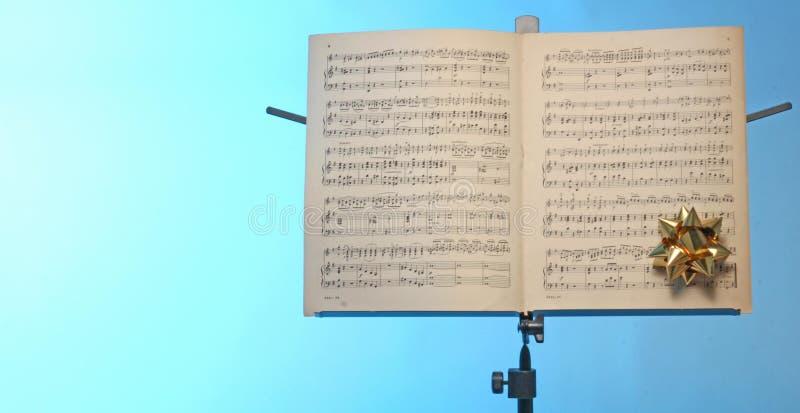 De tribune van de muzieknota stock fotografie