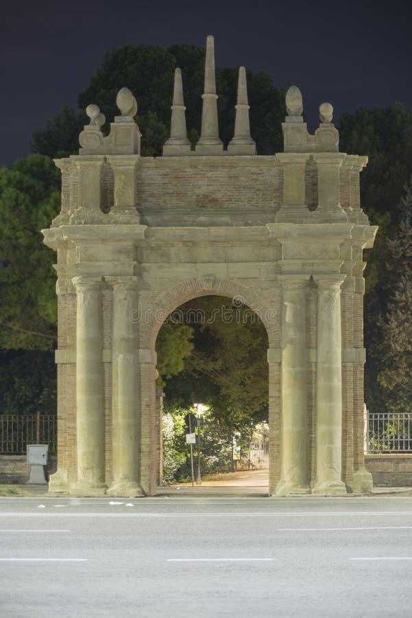 De triomfantelijke boog van Villa Miralfiore royalty-vrije stock foto