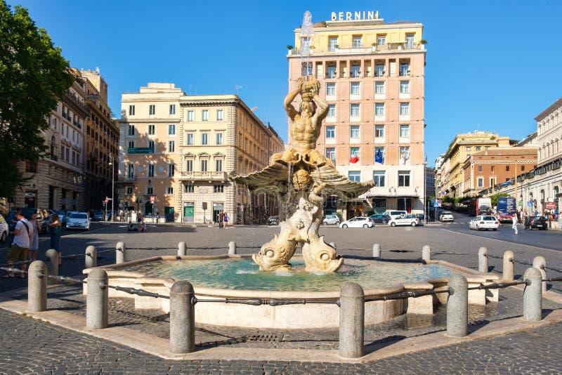 De Triton-Fontein bij Piazza Barberini in centraal Rome royalty-vrije stock foto's