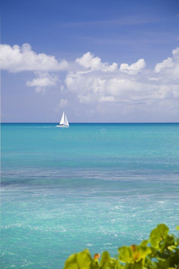 De Tropische Horizon van Antigua stock fotografie