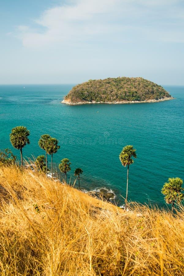 De tropische Provincie van meningen op zee laem promthep phuket royalty-vrije stock afbeeldingen