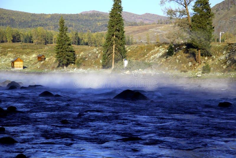 De trots van de ochtend op rivier stock foto