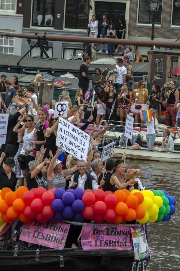 De Trotse LesBoot beim Gay Pride Amsterdam Niederlande 2019 stockfotos