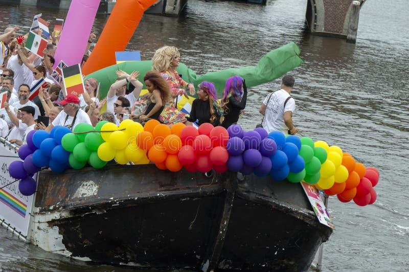 De Trotse LesBoot am Gay Pride Amstel River Amsterdam Niederlande 2019 lizenzfreie stockfotos