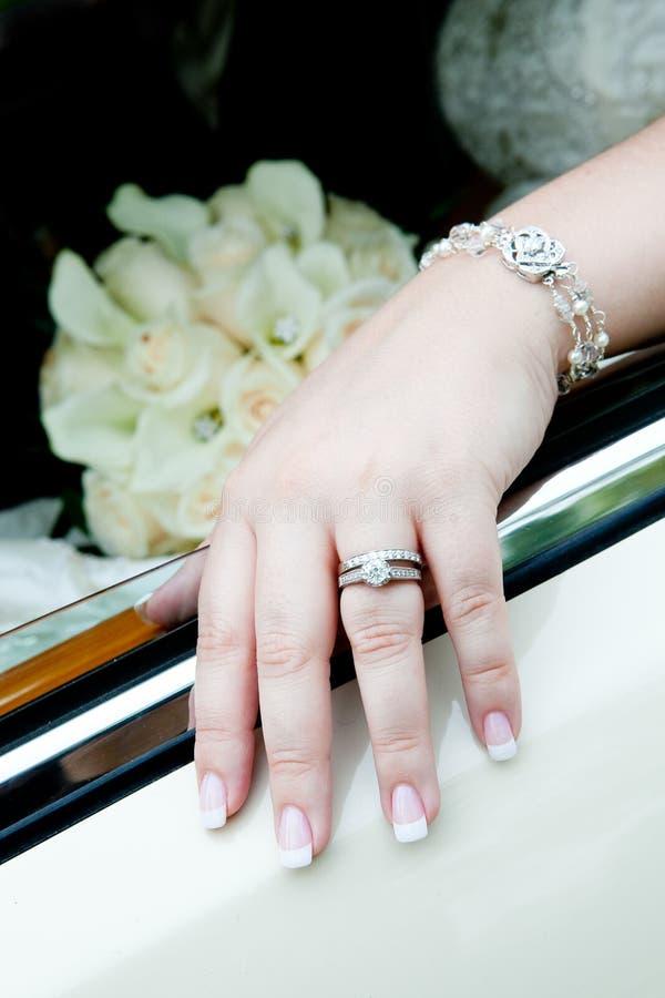 De trouwring van bruiden royalty-vrije stock afbeelding