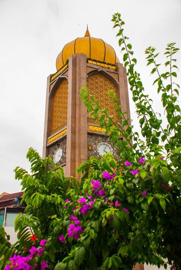 De Tuguraad Negri Sarawak Historische monumentenklok, stad Bintulu, Borneo, Sarawak, Maleisië royalty-vrije stock afbeelding