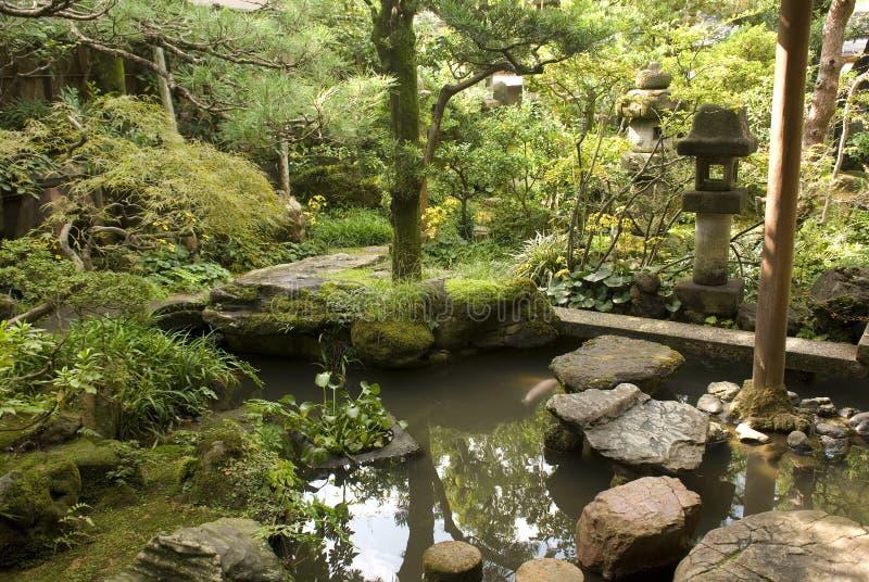 De tuin van het samoeraienhuis, Kanazawa, Japan stock fotografie