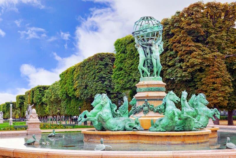 De Tuin van Luxemburg in Parijs, Fontaine DE Observatoir.Paris stock foto