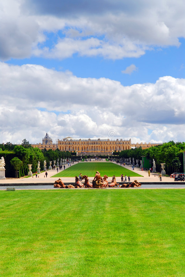 De tuinen en het paleis van Versailles royalty-vrije stock afbeeldingen