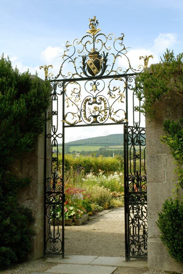 De tuinen in Powerscourt, de ommuurde tuinen stock fotografie