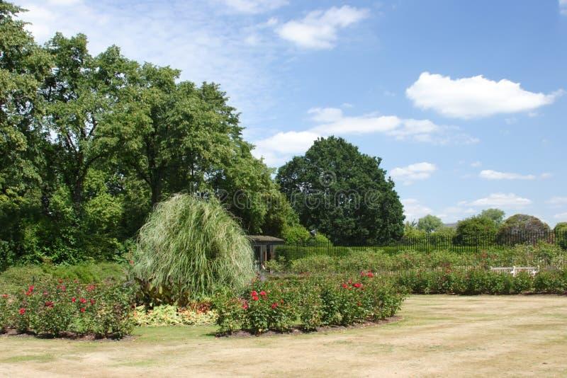 De Tuinen van het Paleis van Kensington stock afbeeldingen