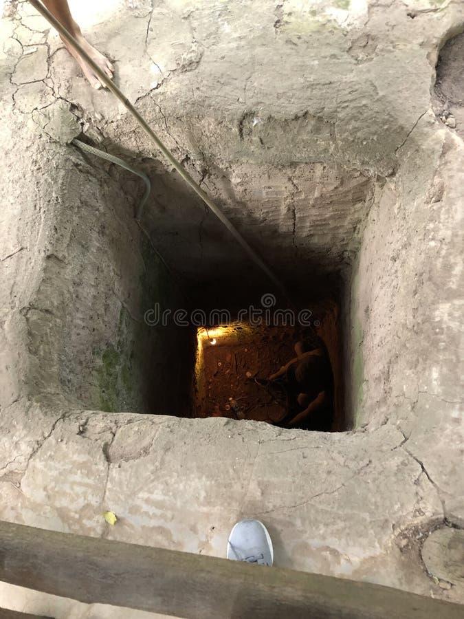 De tunnel in een hinderlaag gelokte militairen in Vietnam royalty-vrije stock afbeeldingen