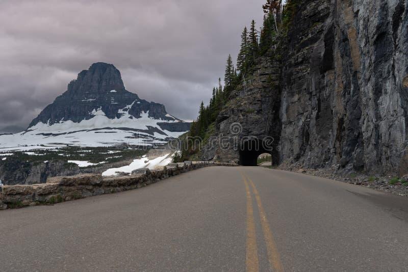 De tunnel en zet Clements On Going To The-Zonweg op royalty-vrije stock afbeelding