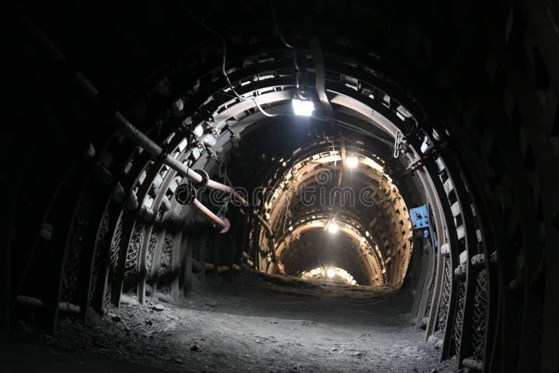 De tunnel van de mijn stock fotografie