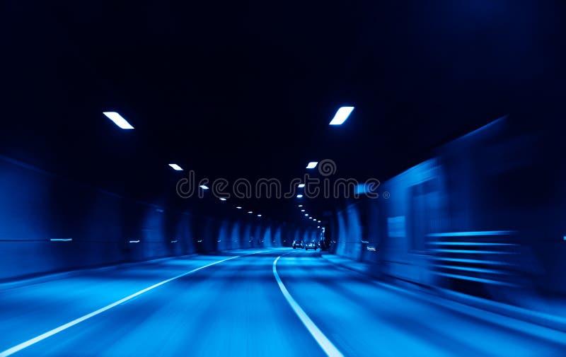 De tunnel van de weg royalty-vrije stock fotografie