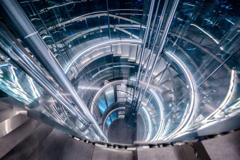 De tunnellift van de liftcirkel met modern licht royalty-vrije stock afbeeldingen
