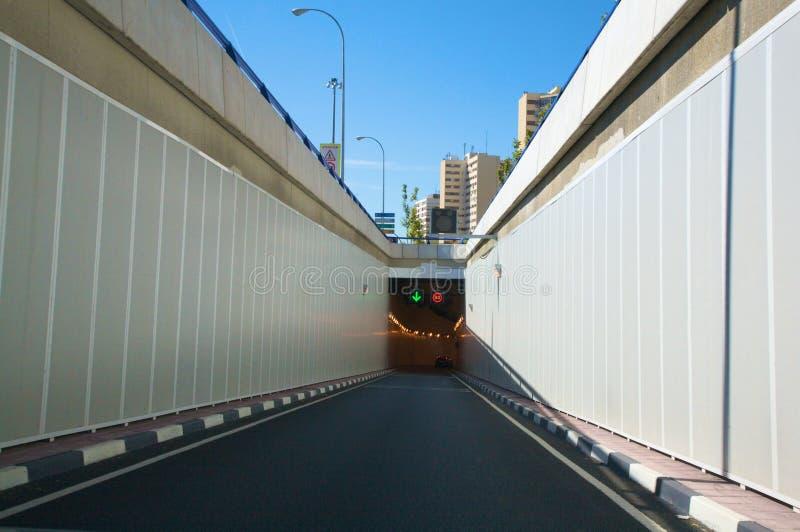 De tunneltoegang van de stad royalty-vrije stock foto
