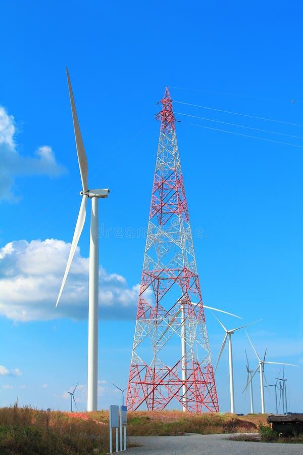 De turbine van de landschapswind, duurzame energie voor het milieu en de duurzame ontwikkeling stock foto