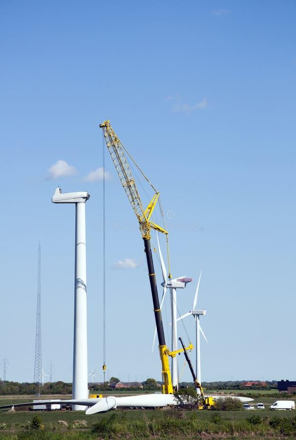 De turbinebouw van de wind royalty-vrije stock fotografie