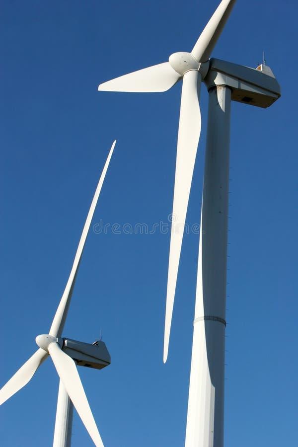 De turbines van de wind - alternatieve energie royalty-vrije stock afbeeldingen