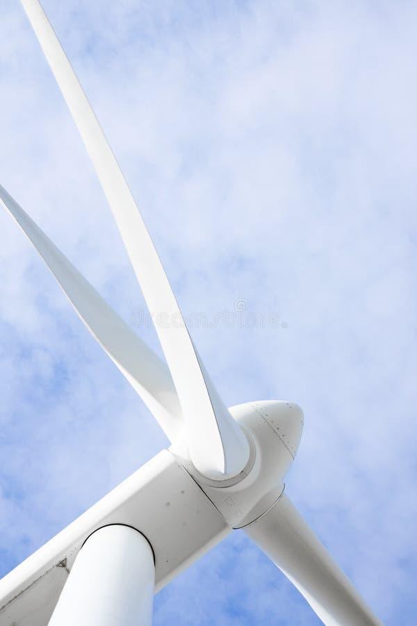 De turbogenerator van de wind stock foto