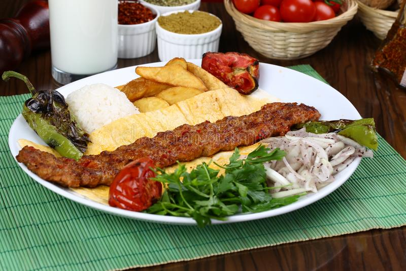 De Turkse Kebab van Adana - Urfa- royalty-vrije stock afbeelding