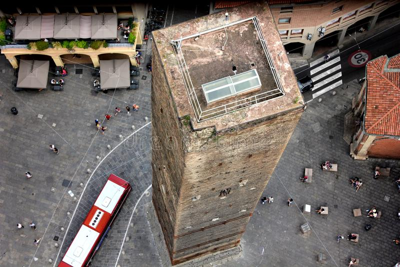 De två tornen i bolognaen royaltyfri foto