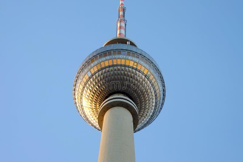 De TV-Toren op Alexanderplatz in Berlijn, Duitsland stock afbeeldingen