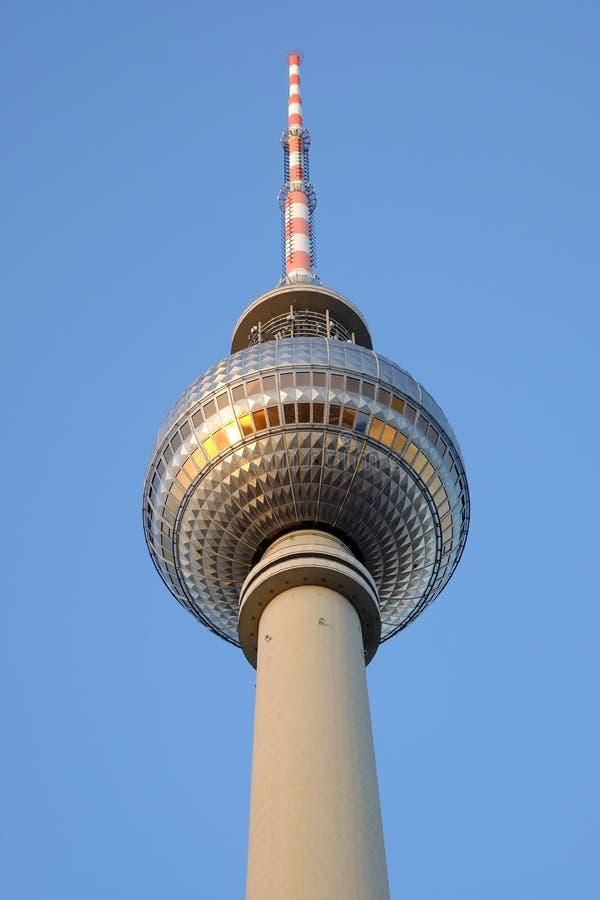 De TV-Toren op Alexanderplatz in Berlijn, Duitsland stock foto
