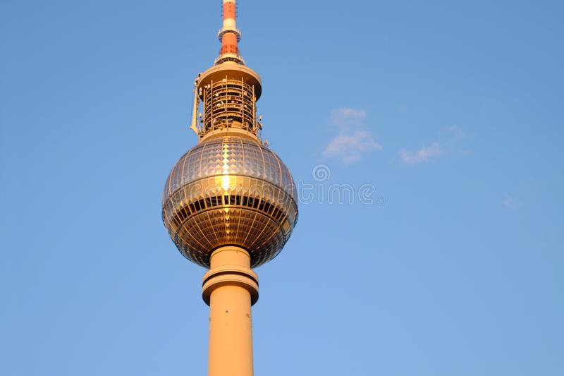 De TV-Toren op Alexanderplatz in Berlijn, Duitsland royalty-vrije stock foto