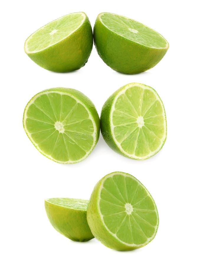 De twee die helften van een kalkfruit over de witte achtergrond, reeks wordt geïsoleerd verschillende foreshortenings royalty-vrije stock foto