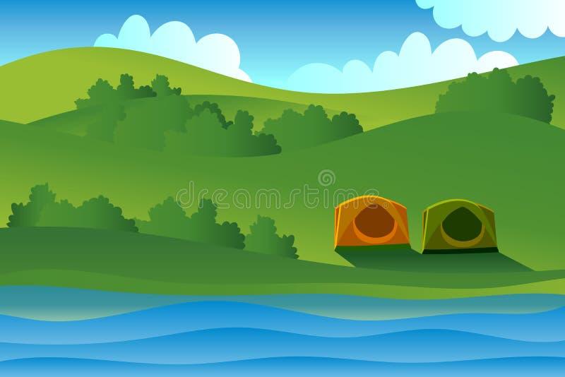 De tweelingtent zette bijna het meer met bomen en berg en blauwe hemelachtergrond royalty-vrije stock fotografie