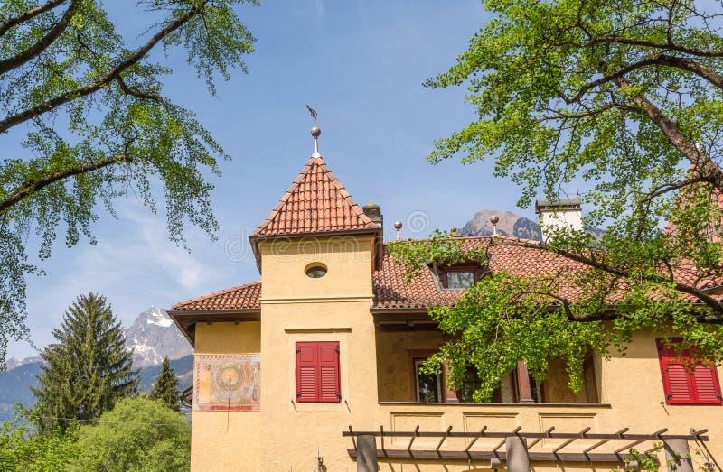 De typische woonplaats Zuid- van Tirol stock afbeeldingen