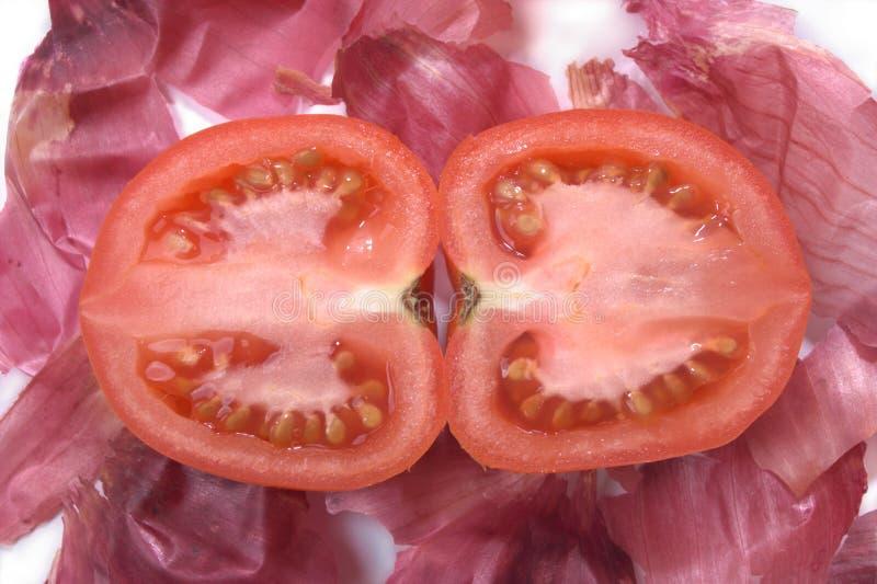 Download De uihuiden van de tomaat stock foto. Afbeelding bestaande uit maaltijd - 10782760