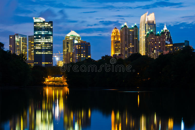 De uit het stadscentrum horizon van Atlanta royalty-vrije stock afbeelding