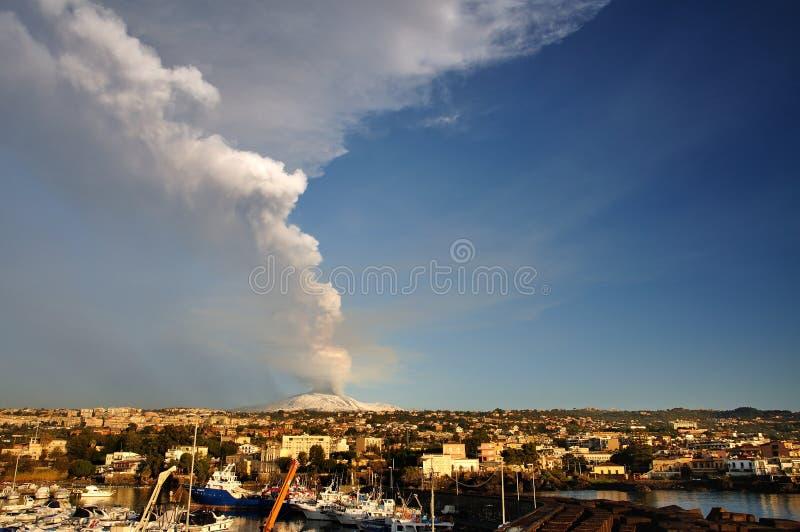 De uitbarsting van Etna royalty-vrije stock afbeeldingen