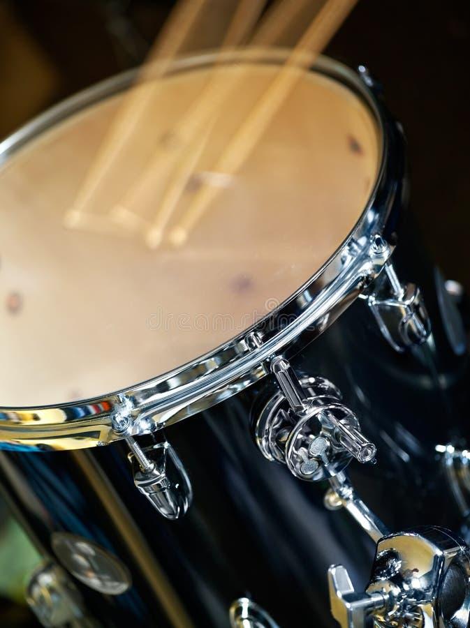 De uitrusting van de trommel in actie royalty-vrije stock fotografie