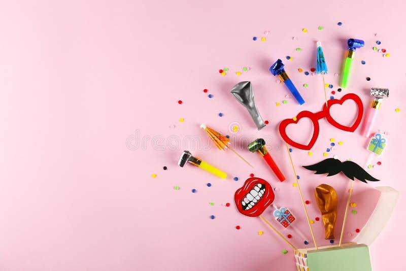 De uitrusting van de verjaardagspartij met exemplaarruimte royalty-vrije stock afbeelding
