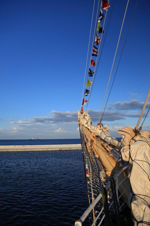 De uitrustingen van het schip, die op een oud fregat monteren royalty-vrije stock foto's
