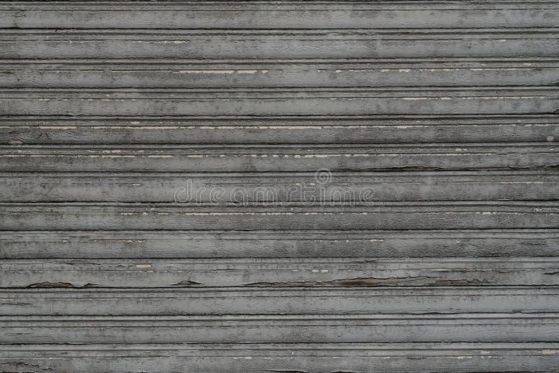 De uitstekende antiquiteit doorstond houten jaloezie met perfect weer royalty-vrije stock afbeelding