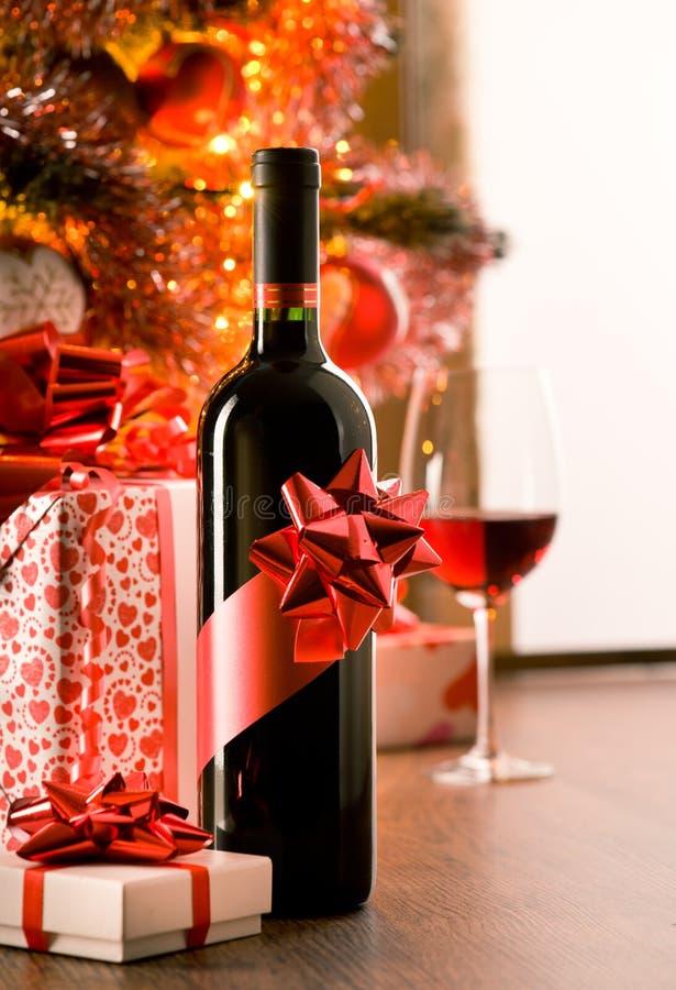 De uitstekende gift van de wijnfles royalty-vrije stock foto