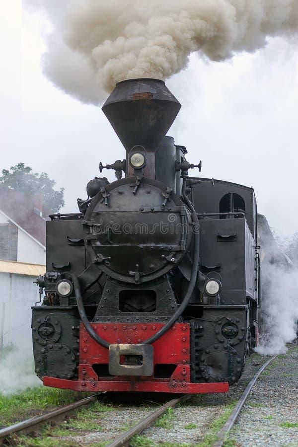 De uitstekende locomotief van de stoomtrein stock fotografie