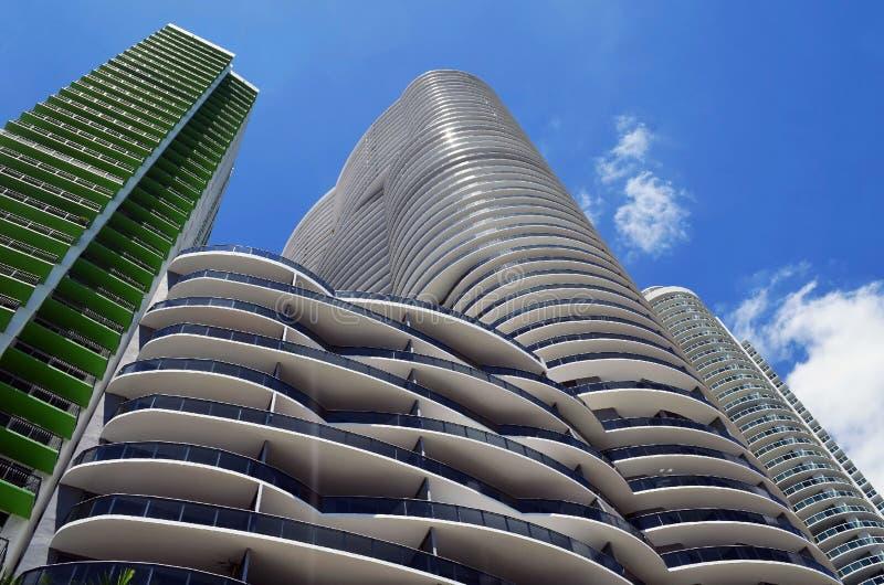 De ultra moderne torens van de huurflat in Miami van de binnenstad, Florida stock foto