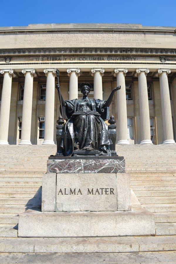 De Universitaire Campus New York van Alma Mater Statue Library Columbia stock foto