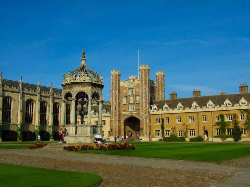De Universiteit van de drievuldigheid, de Universiteit van Cambridge stock fotografie